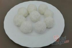 Příprava receptu FITNESS RAFAELO kuličky bez mouky a cukru, krok 3