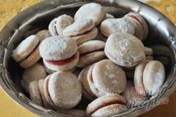 Příprava receptu Vínová kolečka lepená domácí marmeládou, která na vánočním stole nesmí chybět., krok 1