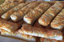 Příprava receptu Sýrové tyčinky z extrémně jednoduchého těsta - 30 minutová rychlovka ke skleničce vína, krok 11