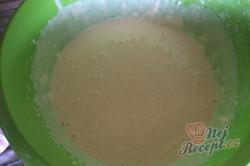 Příprava receptu Nejjemnější koláč ze zakysané smetany se šťavnatým krémem uvnitř, krok 3