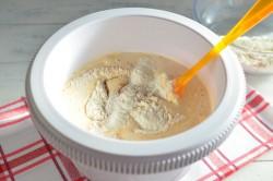 Příprava receptu Zdravější dezert - Mrkvový dort s citronovou polevou, krok 10