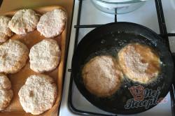 Příprava receptu Vynikající obměna klasických řízků. Smažený mletý řízek se sýrem., krok 3