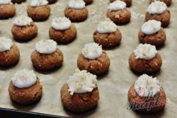 Příprava receptu Vánoční oříškové knoflíky, krok 2