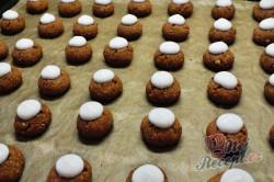 Příprava receptu Vánoční oříškové knoflíky, krok 4