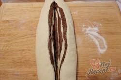 Příprava receptu Dvoubarevné pečivo za pár kaček, krok 3
