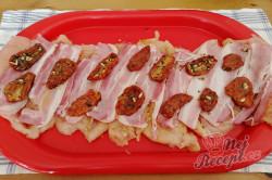 Příprava receptu Kuřecí/krůtí roláda se slaninou a sušenými rajčaty, krok 1