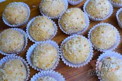 Příprava receptu MARLENKA (medovo-mléčné) kuličky, krok 4