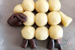 Příprava receptu Velikonoční pečivo OVEČKY bez formy na pečení, krok 3