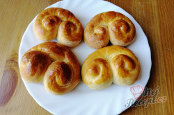 Příprava receptu Medové velikonoční jidáše, krok 4