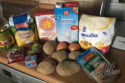 Příprava receptu Bramborový kynutý koláč s rozinkami, krok 1