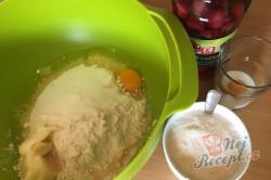 Příprava receptu Makový závin s višněmi, krok 2