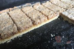 Příprava receptu Bomba koláč s oříškovým sněhem, krok 13
