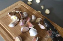 Příprava receptu Česnekovo rajčatová směs za studena, kterou netřeba ani zavařovat a nezkazí se., krok 3