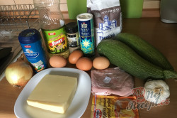 Příprava receptu Cuketový nákyp se šunkou a sýrem, krok 1