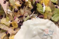 Příprava receptu Fatastický, lehký a chutný FIT salát s červeným zelím a bílým jogurtem, krok 1