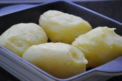 Příprava receptu Bramborové knedlíky se švestkovou omáčkou - FOTOPOSTUP, krok 1