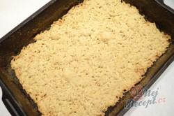 Příprava receptu Strouhaný malinový zákusek s pudinkem, krok 8