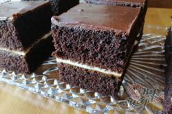 Příprava receptu Kakaový koláček s meruňkovou marmeládou, krok 6