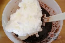 Příprava receptu Kakaový koláček s meruňkovou marmeládou, krok 3