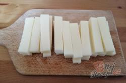 Příprava receptu Dokonalá náhrada za smažený sýr. Bramborové tyčinky se sýrem uvnitř., krok 5