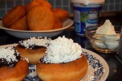 Příprava receptu Domácí vdolečky zdobené povidly, tvarohem a šlehačkou, krok 1