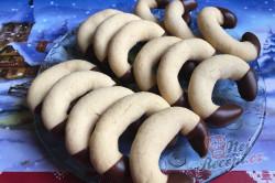 Příprava receptu Vánoční pudinkové rohlíčky máčené v čokoládové polevě, krok 8