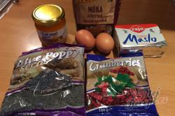 Příprava receptu Z tohoto vánočního cukroví se netloustne - maková kolečka s brusinkami, krok 1