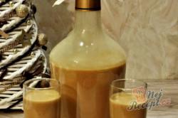 Příprava receptu Vánoční karamelový likér se skořicí, krok 2