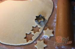 Příprava receptu Citrónové hvězdičky ze zakysané smetany, krok 4