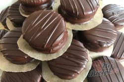 Příprava receptu Medová kolečka: Nejchutnější vánoční cukroví zalité čokoládou, krok 5
