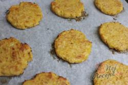 Příprava receptu Štíhlé karbanátky z cukety, česneku a sýra., krok 2