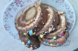 Příprava receptu Čokoládová roláda s banánem, krok 2