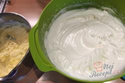 Příprava receptu Vynikající makové žloutkové řezy, krok 5