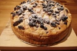 Příprava receptu Jablečný koláč ze zakysané smetany s rozinkami, krok 8