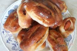 Příprava receptu Jemňoučké, měkoučké buchty s párkem, krok 4