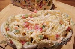 Příprava receptu Fantastická chuťovka namísto chlebíčků - plněné čínské zelí, krok 4
