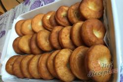 Příprava receptu Fantastické máslové koblihy s domácí marmeládou, krok 6