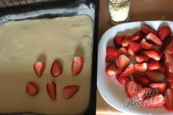 Příprava receptu Hrníčková rychlovka s jahodami, krok 5