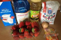 Příprava receptu Hrníčková rychlovka s jahodami, krok 1