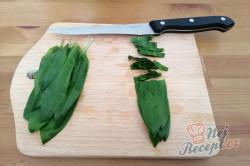 Příprava receptu Domácí antibiotikum z medvědího česneku, krok 3