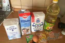 Příprava receptu Bombastické plněné kynuté rohlíky, krok 1