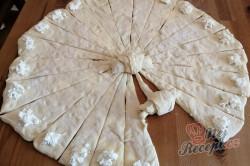 Příprava receptu Mini skládané máslové rohlíčky s tvarohovou náplní, krok 8