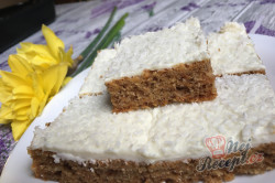 Příprava receptu Hrnkový špaldový koláček s mrkví a jogurtovou polevou, krok 13
