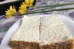 Příprava receptu Hrnkový špaldový koláček s mrkví a jogurtovou polevou, krok 14