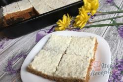 Příprava receptu Hrnkový špaldový koláček s mrkví a jogurtovou polevou, krok 15