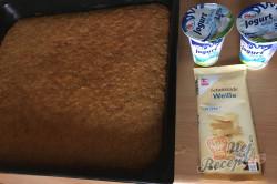 Příprava receptu Hrnkový špaldový koláček s mrkví a jogurtovou polevou, krok 8