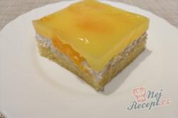 Příprava receptu Žravé řezy se zakysanou smetanou a mandarinkami, krok 5