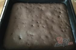 Příprava receptu Zcela jednoduché řezy ze zakysanky, krok 7