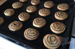 Příprava receptu Bombastické ořechové válečky ke kávičce, krok 15