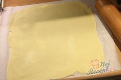 Příprava receptu Bombastické ořechové válečky ke kávičce, krok 5